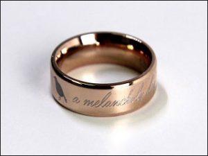 Gravur Ring; Foto: Uhren Thurner